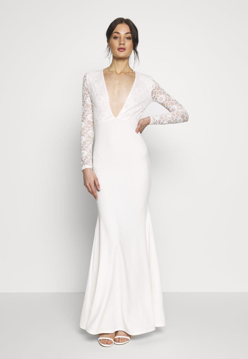 Missguided - BRIDAL PLUNGE LONG SLEEVED MAXI DRESS - Festklänning - ivory