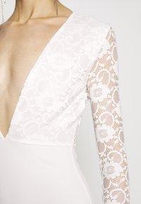 Missguided - BRIDAL PLUNGE LONG SLEEVED MAXI DRESS - Festklänning - ivory - 5