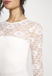 Missguided - BRIDAL AND BRIDESMAID LACE OPENBACK JUMPSUIT - Combinaison - ivory - 5