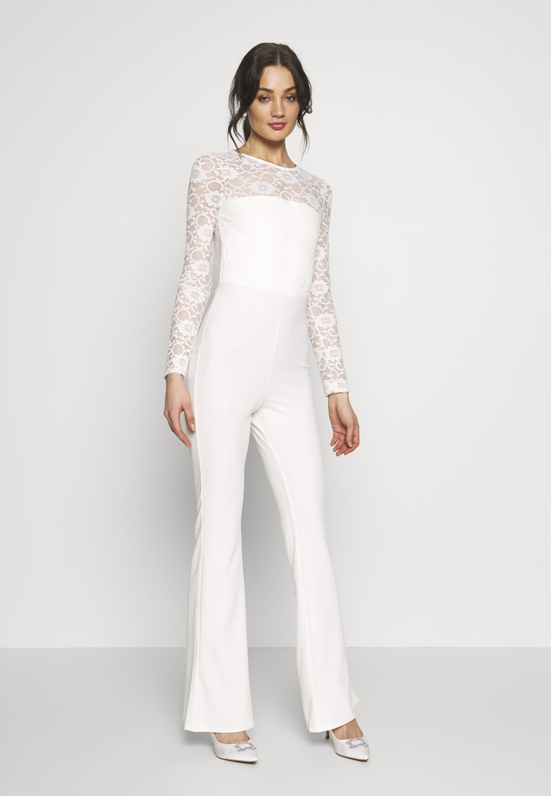 Missguided - BRIDAL AND BRIDESMAID LACE OPENBACK JUMPSUIT - Combinaison - ivory