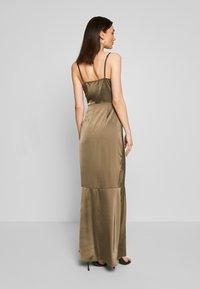 Missguided - COWL NECK DRESS - Společenské šaty - khaki - 2