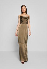 Missguided - COWL NECK DRESS - Společenské šaty - khaki - 0