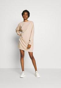 Missguided - BASIC  DRESS - Robe d'été - stone - 1