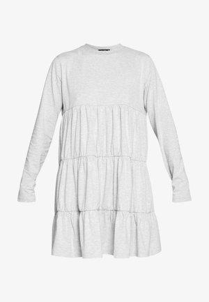 TIERED SMOCK DRESS - Kjole - grey