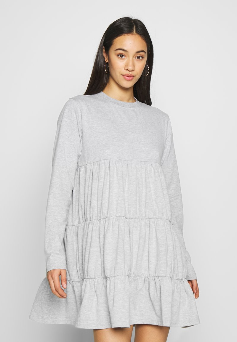Missguided - TIERED SMOCK DRESS - Robe d'été - grey
