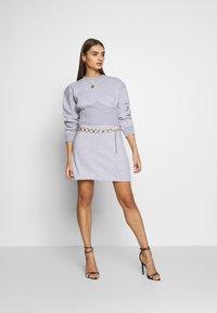 Missguided - OVERSIZED CORSET DRESS - Robe d'été - grey marl - 1