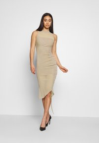 Missguided - RUCHED MIDI DRESS - Etuikjole - mocha - 0