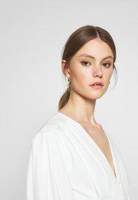 Missguided - PLUNGE SELF BUTTON BELTED - Vestito elegante - white - 3