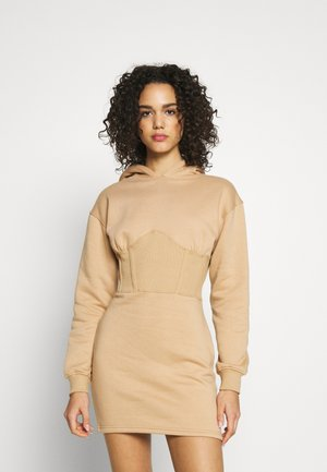 CORSET DRESS - Kjole - camel