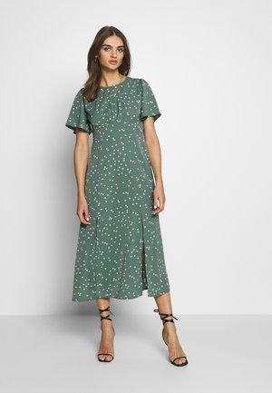FLUTTER MIDI DRESS POLKA - Denní šaty - green