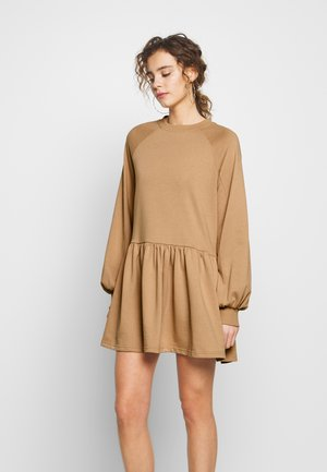 OVERSIZED SMOCK DRESS - Day dress - camel
