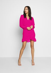 Missguided - DOBBY RUCHED DETAIL FRILL MINI DRESS - Vestido informal - pink - 1