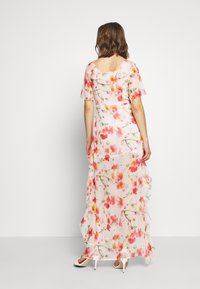 Missguided - FLORAL RUFFLE HIGH LOW MAXI DRESS - Iltapuku - pink - 2