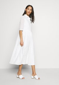 Missguided - SMOCK SHIRT MIDI DRESS - Skjortekjole - white - 1