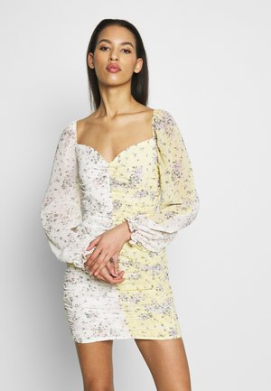 DITSY MIXED FLORAL RUCHED MINI DRESS - Robe d'été - yellow