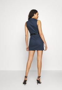 Missguided - CODE CREATE EXPOSED ZIP BELTED UTILITY DRESS - Vestido de tubo - navy - 3
