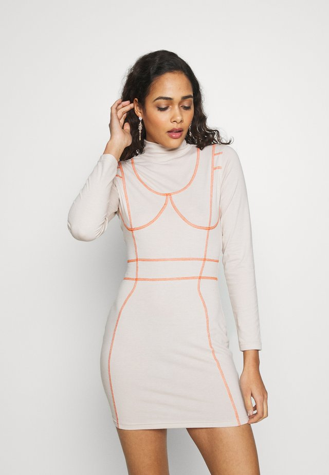 CODE CREATE CONTRAST PIPING DRESS - Shift dress - nude