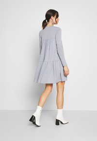 Missguided - TIERED SMOCK DRESS - Jersey dress - grey - 2