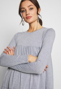 Missguided - TIERED SMOCK DRESS - Jersey dress - grey - 4