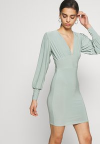 Missguided - SLINKY PLUNGE MINI BODYCON DRESS - Robe fourreau - mint - 4
