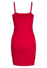 Missguided - BELTED BUTTON STRAPPY MINI DRESS - Robe d'été - red - 1