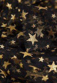 Missguided - FESTIVAL EXCLUSIVE STAR PRINT DRESS - Maxi šaty - black - 2
