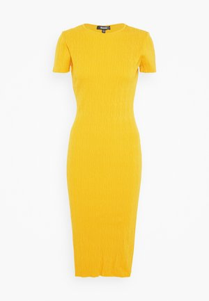 TEXTURED CUT OUT BACK DRESS - Gebreide jurk - mustard