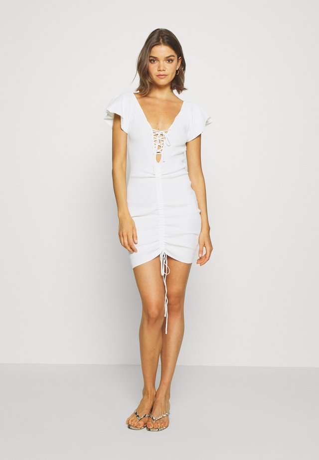 RUCHE FRONT MIDI DRESS - Shift dress - white