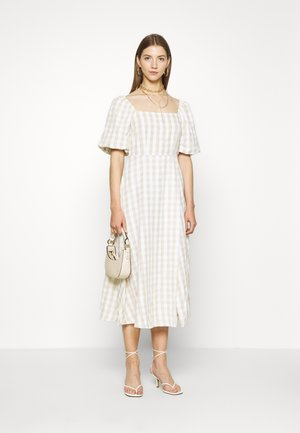 GINGHAM PUFF SLEEVE SPLIT DRESS - Hverdagskjoler - stone