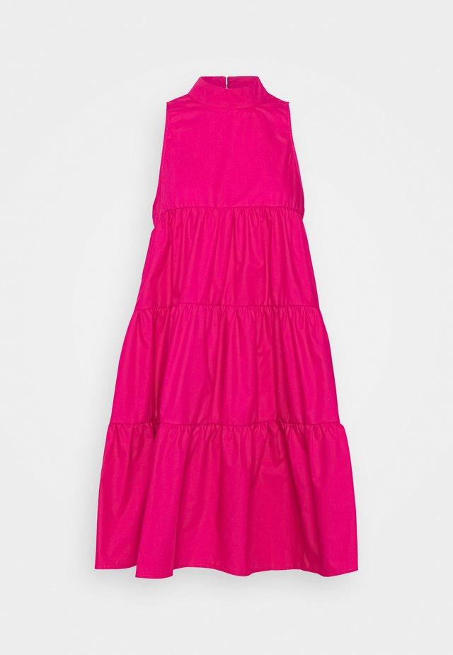 POPLIN SLEEVELESS TIERED SMOCK DRESS - Freizeitkleid - pink