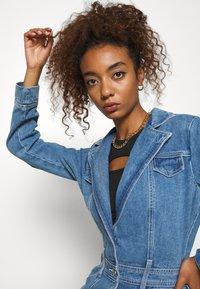 Missguided - BLAZER FIT DRESS  - Manteau court - mid blue - 4
