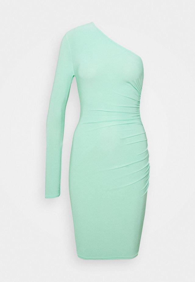 SLINKY ONE SLEEVE RUCHED MINI DRESS - Jerseykleid - green