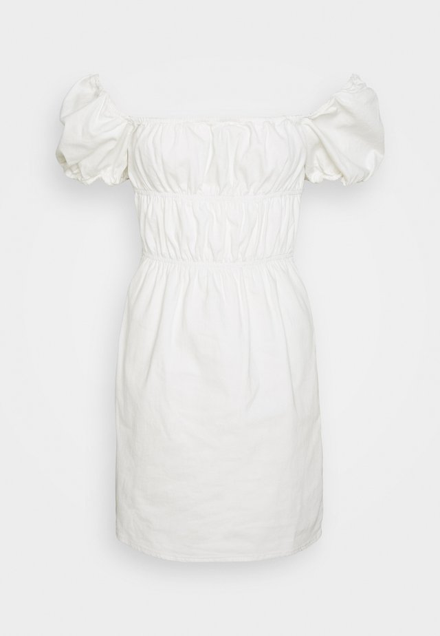 RUCHED MILKMAID DRESS - Denimové šaty - cream