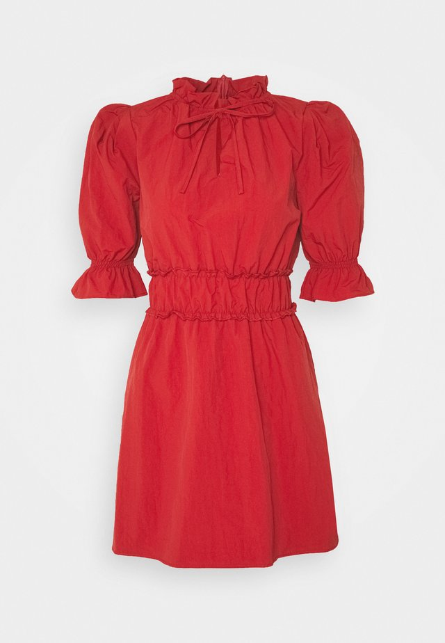 RUCHED WAIST PUFF SLEEVE DRESS - Sukienka letnia - wine
