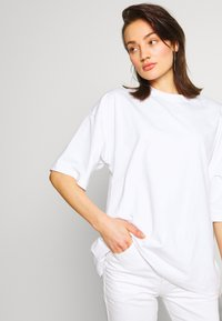 Missguided - DROP SHOULDER OVERSIZED 2 PACK - T-shirts - white/black - 3