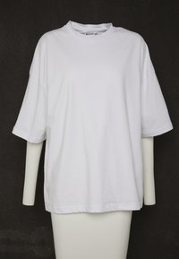 Missguided - DROP SHOULDER OVERSIZED 2 PACK - T-shirts - white/black - 5