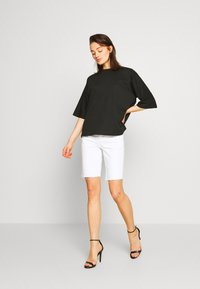 Missguided - DROP SHOULDER OVERSIZED 2 PACK - T-shirts - white/black - 0