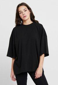 Missguided - DROP SHOULDER OVERSIZED 2 PACK - T-shirts - camel/black - 4