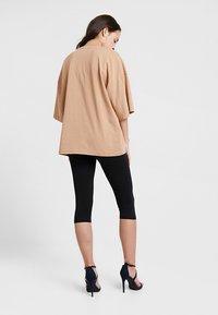 Missguided - DROP SHOULDER OVERSIZED 2 PACK - T-shirts - camel/black - 3