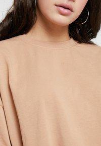 Missguided - DROP SHOULDER OVERSIZED 2 PACK - T-shirt basique - camel/black - 5