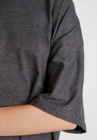 Missguided - DROP SHOULDER OVERSIZED 2 PACK - T-shirts - black/grey - 4
