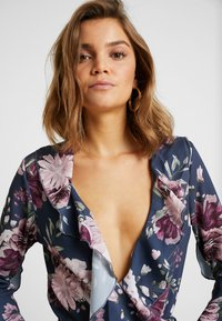 Missguided - WRAP FRONT FRILL BODYSUIT - Blouse - navy - 3