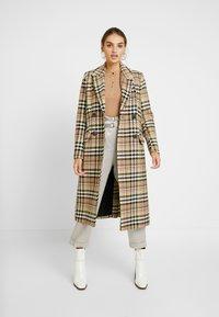 Missguided - POPPER HIGH NECK BODYSUIT - Bluzka z długim rękawem - brown - 1