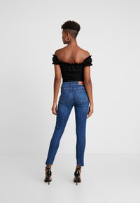 Missguided - MILKMAID SPOT BUCKLE - T-shirts med print - black - 2