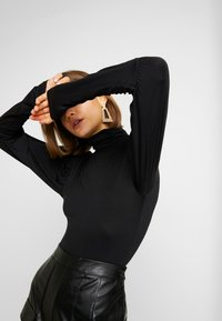 Missguided - TURTLE NECK PUFF SLEEVED BODYSUIT - Longsleeve - black - 3