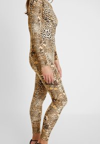 Missguided - HALLOWEEN LEOPARD PRINT SCOOP BACK - Jumpsuit - brown - 5