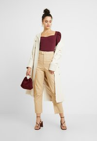 Missguided - SQUARE NECK PUFF SLEEVES BODYSUIT - Linne - burgundy - 1