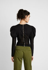 Missguided - INSERT CORSET PUFF SLEEVE - Blouse - black - 2