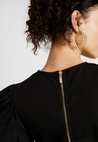 Missguided - INSERT CORSET PUFF SLEEVE - Blouse - black - 5