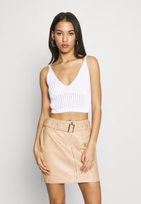 Missguided - V NECK CROP  - Topper - white - 0